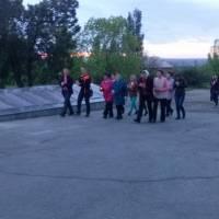 урочиста хода зі свічками до меморіалу загиблим воїнам 8 травня