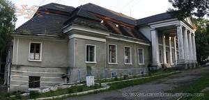 Палац в Більшівцях в липні-2009