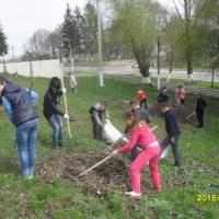 Прибирання центру села