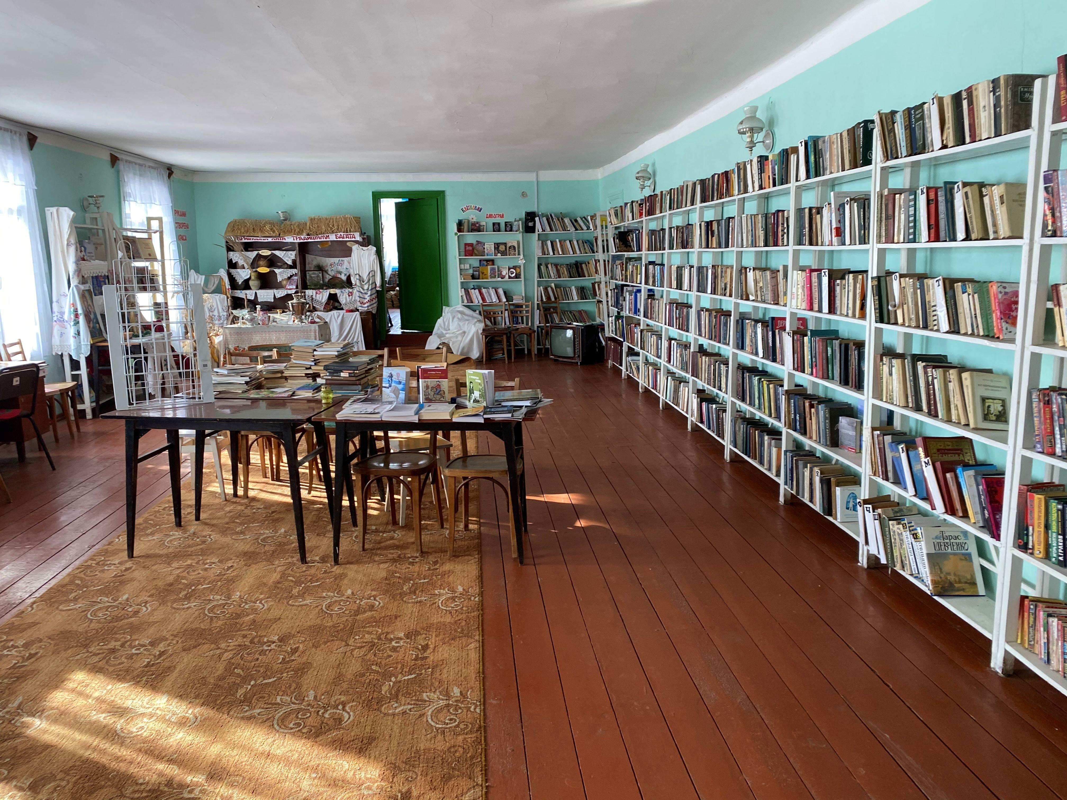 Бібліотека-філія села Червона Кам'янка Попельнастівської сільської ради