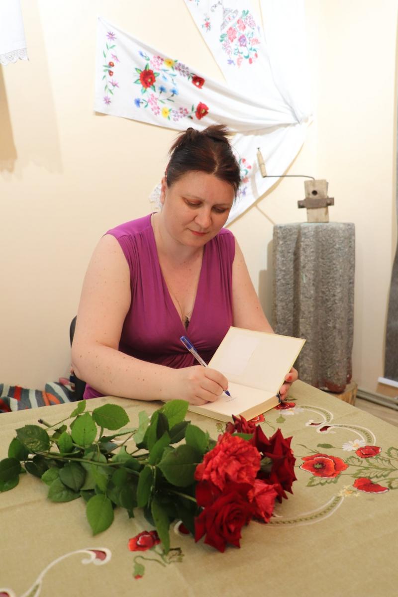 29 червня 2021 року до Попельнастівської громади завітала талановита письменниця, наша землячка – Дарина Гнатко