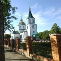 Свято-Троїцька церква Новгородки