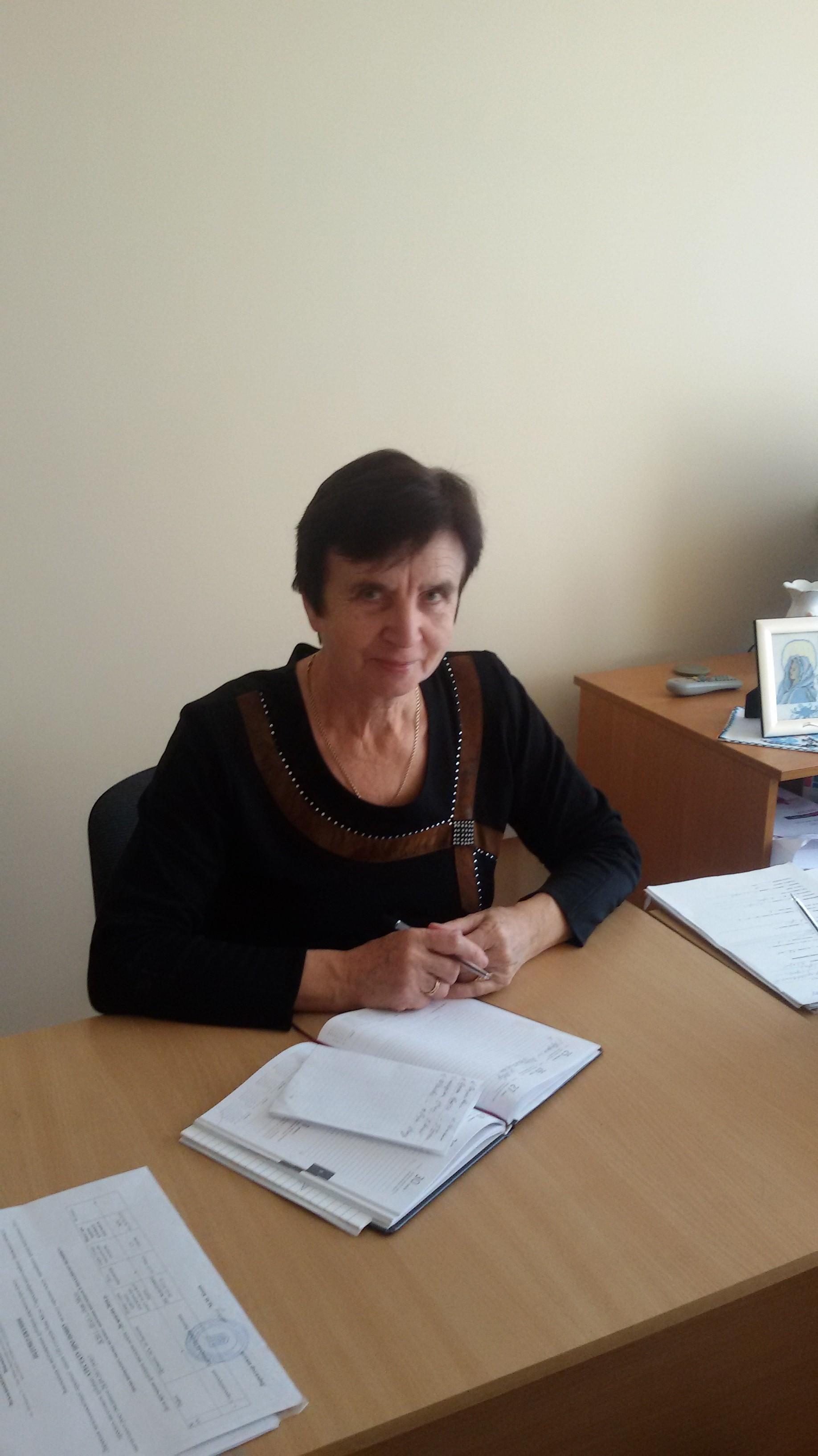 Директор школи, вчитель хімії - Баціц М.М..jpg
