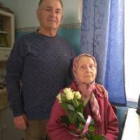 Вітаємо вельмишановну Олександру Антонівну Калашнікову, учасника бойових дій у другій світовій війні з Днем перемоги
