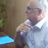 Петро Баранов, цікаво розповідає про будівництво нової амбулаторії.