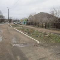 клумби центр села