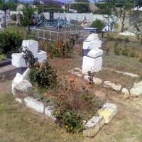 Козацькі поховання на сучасному кладовищі.