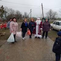 Святкові подарунки до Дня Святого Миколая у Новосавицькому старостинському окрузі