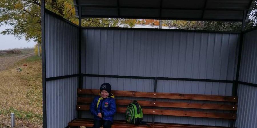Працівниками КУ «Зеленбуд» встановлено автобусні зупинки.
