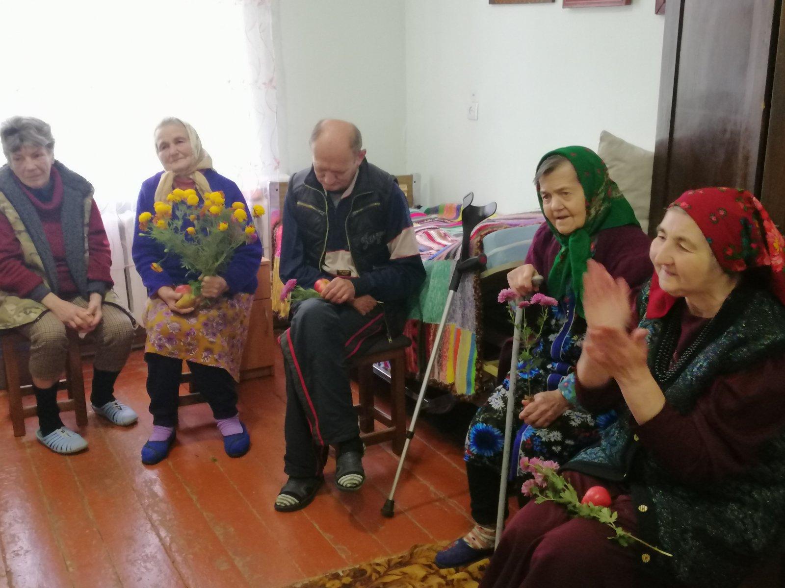 1 жовтняу всьому світі відзначається Міжнародний день літніх людей.