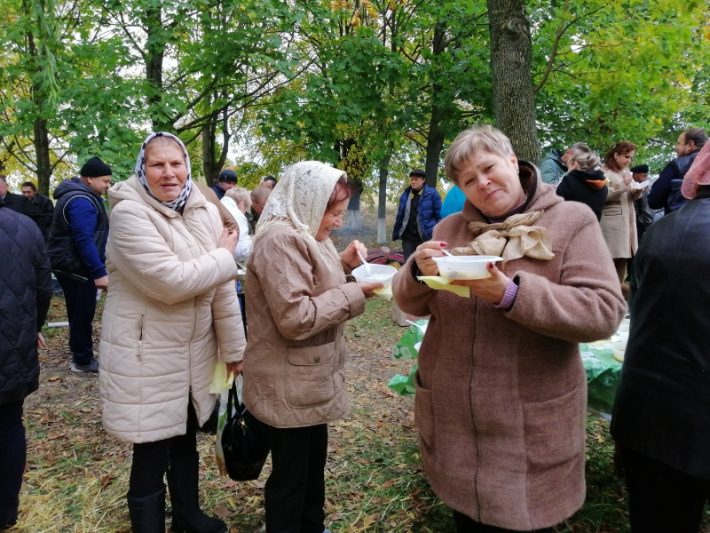 """""""Вроди, Боже, хліб смачний. Подаруй нам мир святий."""" у с. Рогізне"""