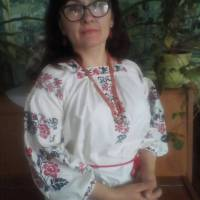 Зубчук Алла В'ячеславівна у вишиванці прабабусі