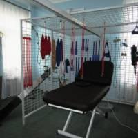 Реабілітаційна клітка з додатковим обладнанням для нововведеної послуги кінезотерапії