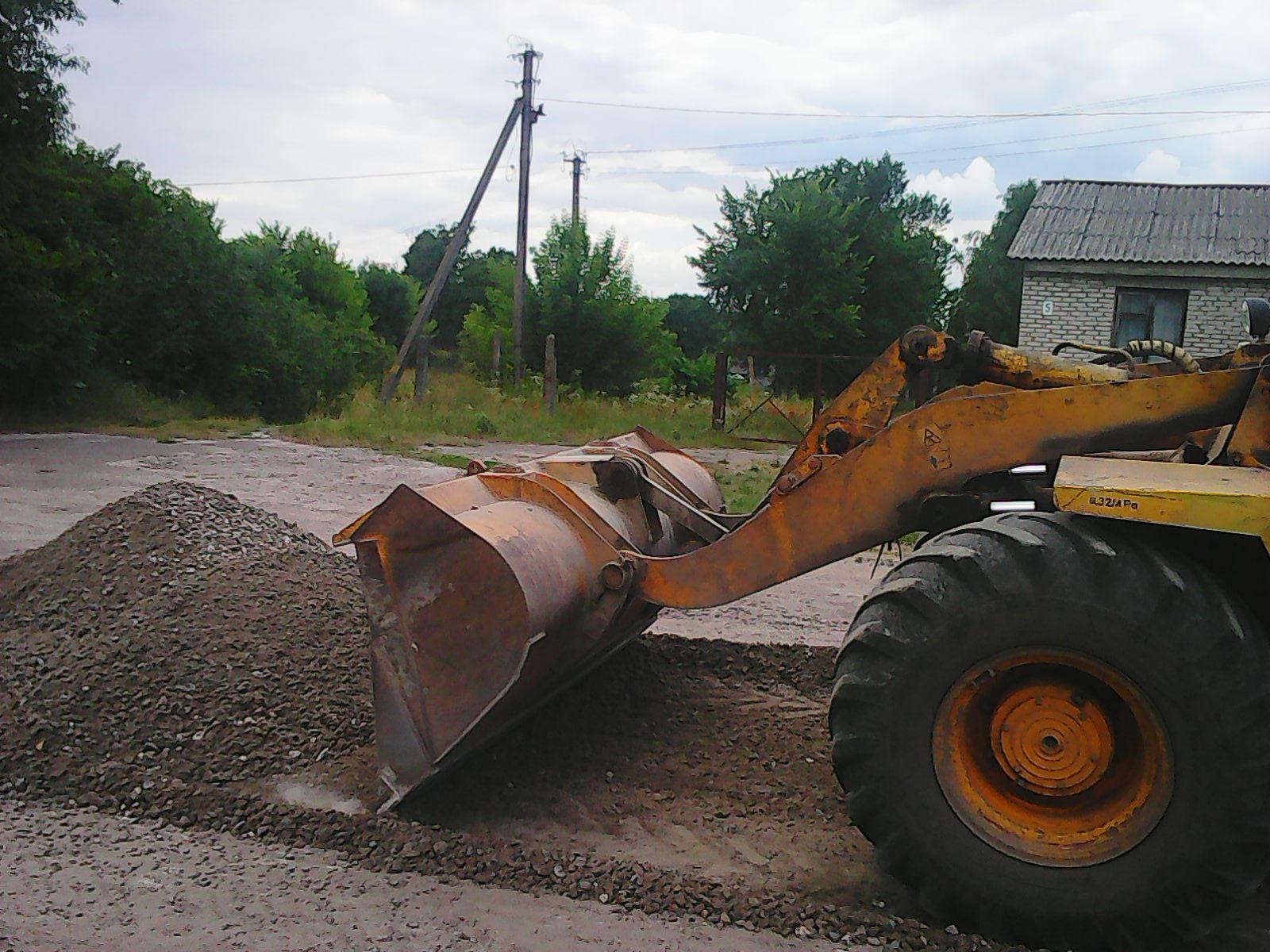 В Ямполі ремонтують дороги