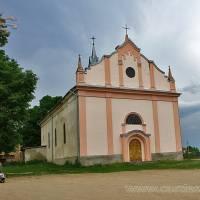 Римо католицький костел в с. Озерна