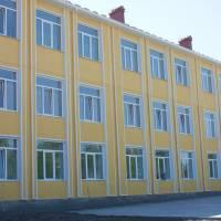 Васильковецька школа І-ІІІ ступенів з поглибленим вивченням інформаційних технологій та технологічних дисциплін.