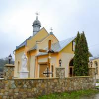с. Курники.В 1922 році, за війтівства Михайла Бонка, побудована муровану церкву Св.Михаїла. Місце під будівництво безкоштовно надав Павло Ткач.