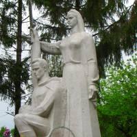 с.Байківці, Пам'ятний знак воїнам-землякам, які загинули в роки Другої світової війни