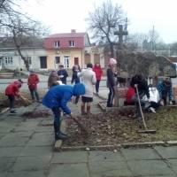 Прибирання в смт.Микулинці (3)
