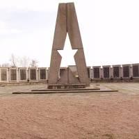 Меморіальний комплекс смт.Залізці