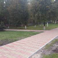 поблизу меморіалу Слави, 2017