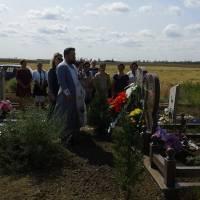 Покладання квітів до могил загиблих воїнів
