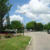 В центрі селища