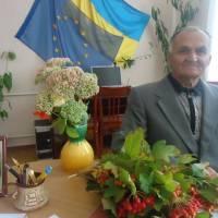 Відвідувач Маличенко В.П. біля виставки