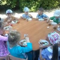 Свято печеної картоплі в Хрестівському ДНЗ, присвячене до  Дня захисту дітей.