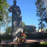 Пам'ятник радянським солдатам