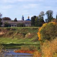 Вигляд на церкву Преображення Господнього в селі Старий Остропіль