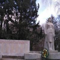 Памятник загиблим односельчанам у с.Коричинці