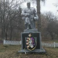 Памятник Невідомому солдатові у с.Коричинці