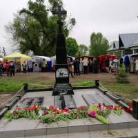 Відкриття відновленого пам'ятника загиблим воїнам- односельцям 1939-1945рр. с. Пльохів