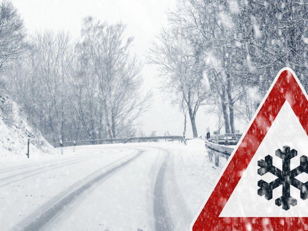 За повідомленням Укргідрометцентру? на території області в період з 8 по 9 лютого 2021 року очікується погіршення погодних умов (значний сніг висотою покриву 10-20 см, хуртовини, пориви вітру 15-20 м/с, снігові замети, на дорогах ожеледиця). У Службі автомобільних доріг у Чернігівській області пройшло засідання оперативного Штабу з ліквідації наслідків надзвичайних ситуацій щодо протидії загрози під час ускладнення погодних умов на території області за участі працівників Служби автодоріг, правоохоронців, надзвичайників, представників прикордонної служби, облдержадміністрації, Укртрансбезпеки.