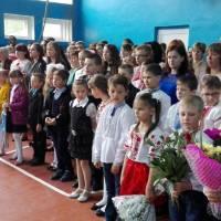 Учні школи та гості