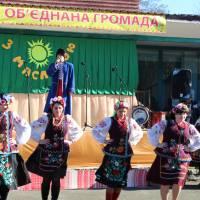 Запальні пісні та танці від працівників культури громади