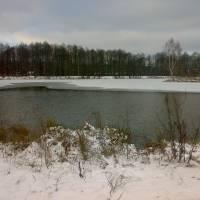 Озеро взимку