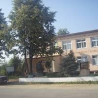 Адміністративна будівля села Їжівці