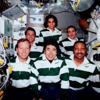 STS-87_traditional_in-flight_crew_portrait