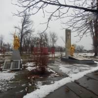 Пам'ятники загиблим героям