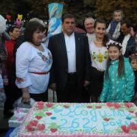 Частування кодимчан святковим тортом