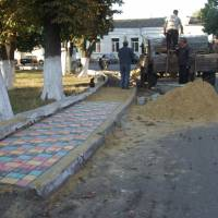 Ремонт тротуару на площі Ганни Пашкевич