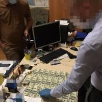 СБУ задокументувала високопосадовця Київського військового ліцею імені Івана Богуна на вимаганні грошей