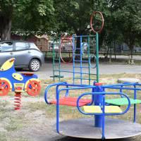 В мікрорайоні міста «Каштанова Алея» оновлено дитячий майданчик