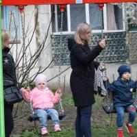 На вулиці Винниченка оновлено дитячий майданчик