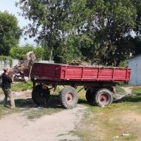 вивезення негабаритного сміття та відходів з прибудинкових територій