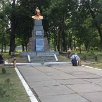Працівники КП «Комунальник» облаштували на Калиновій алеї міста нові шпаківні