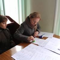 Передача уточнених списків виборців дільничним виборчим комісіям