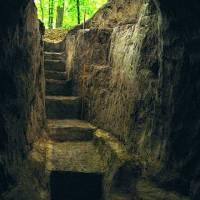 Вхід до підземного печрного скиту